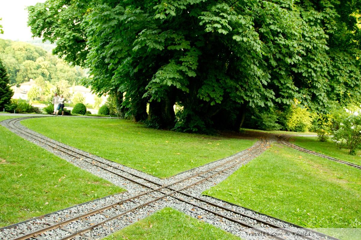سكة القطار (المصغّر) في حديقة تون السويسرية