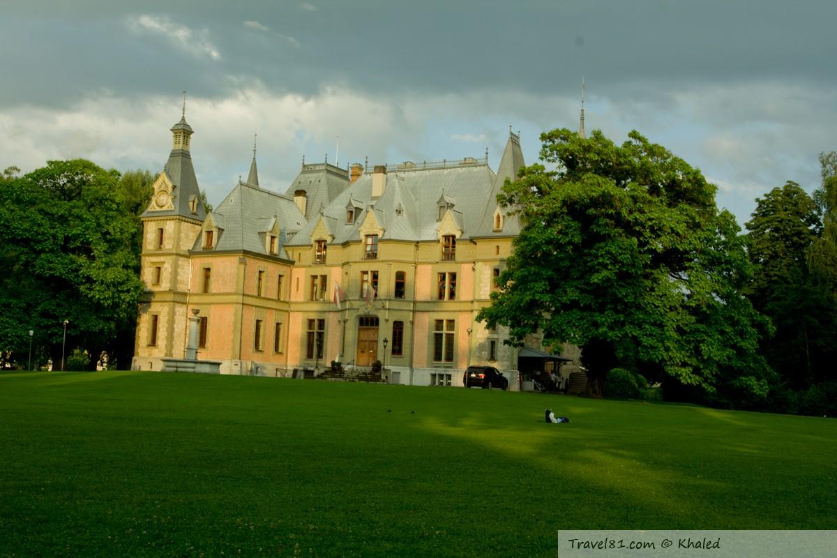 قلعة Schloss Schadau