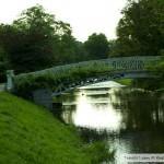 جسر ونهر حديقة بادن بادن