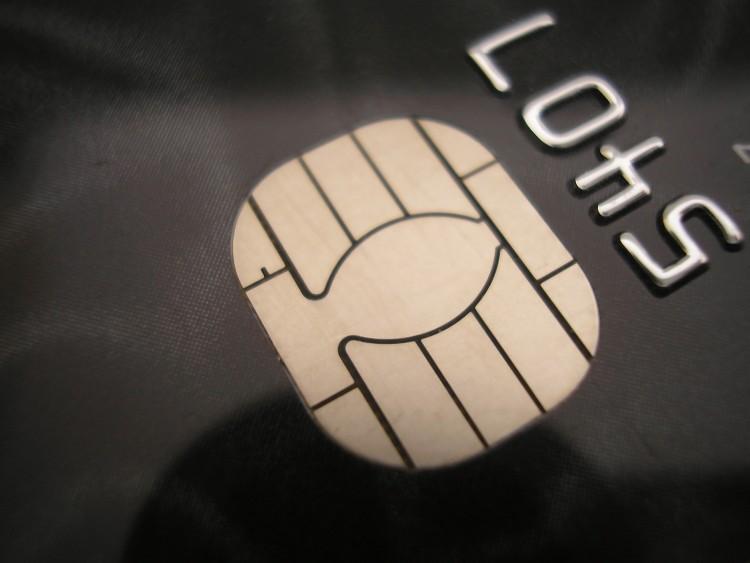 بطاقة الائتمان قد تكون سبباً في راحتك أو وسيلة لجلب المشكلات أثناء سفرك